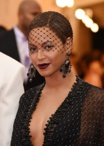Beyonce+Knowles+Charles+James+Beyond+Fashion+zkWqrucQVVql-356x500