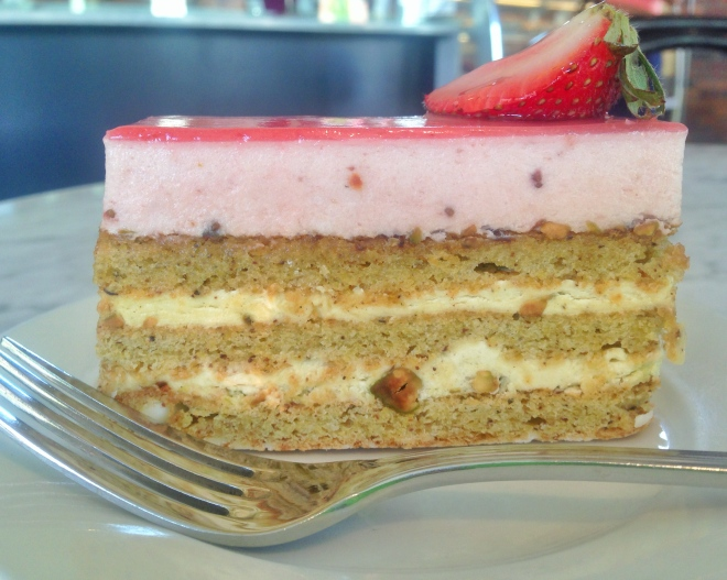 Strawberry Pistachio Daquoise